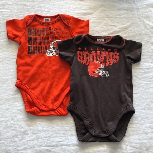 ceae937e89a NFL Cleveland Brown onesies - set of 2. M 5a985e44b7f72b6653b1120c